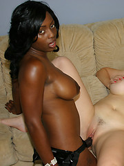 Interracial girls Jada and Kara