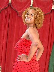 Hot ebony chick Yolanda