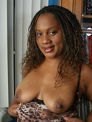 Chubby dark girl Sinamon