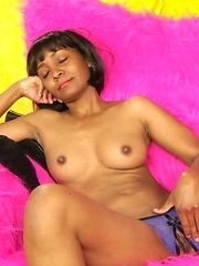 Look at this hot ebony mature