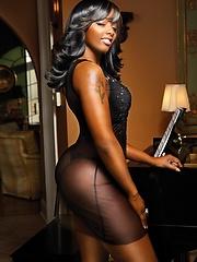 Glamorous black babe demonstrating her hot body