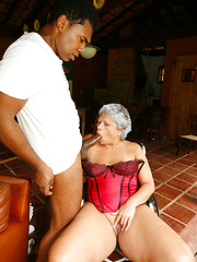Ebony momma Marcela like to fucking with young dude