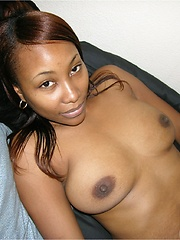 Hot And Sexy Amateur Black Girl Modeling Nude For You