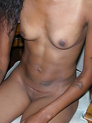 Amateur Black Babe Spreading Nude