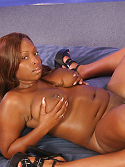 Skyy Black And Suckable Go Ass To Ass On A Large Double Ender