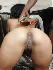 Horny slut with big apple butts enjoying the mighty cock